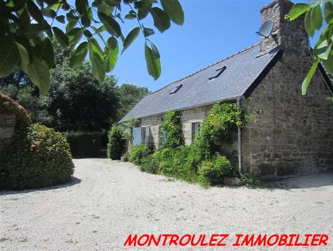 Isolated with fields around, lovely renovated longere.