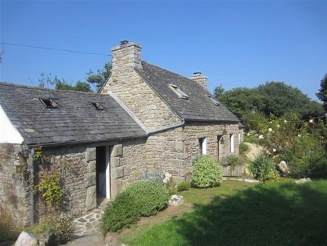 Lovely stone house habitable on the ground floor