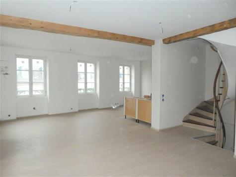 Work to finish in this light appartment of 90 m²