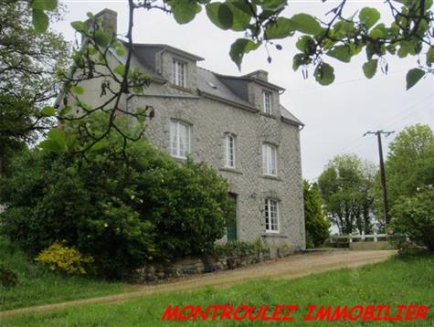 Lovely setting  for this house with 2.1 hectares