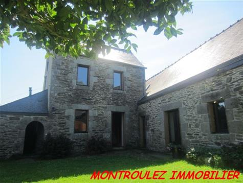 Good living space and potential to enlarge for this good condition  house