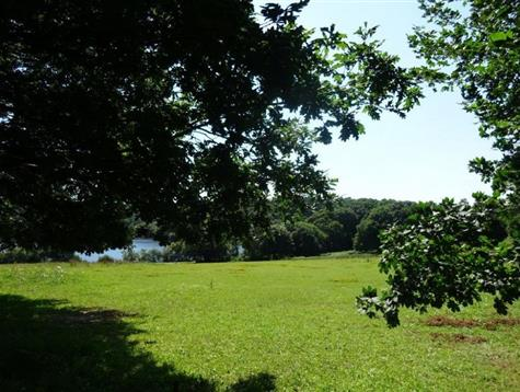 Building land of 5000 m² with unspoilt views of lake Guic