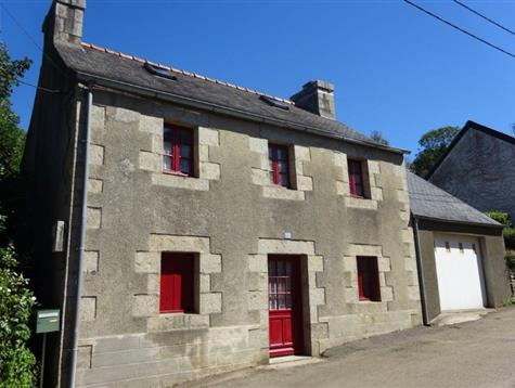 Pretty stone house at the heart of the village