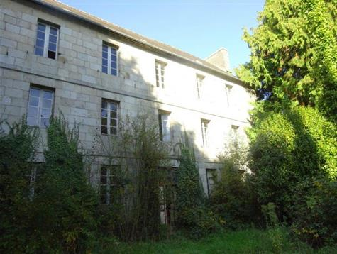 A lot of potential for this caracter property for total renovation