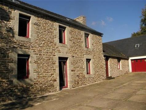 Pretty property comprising an old mill