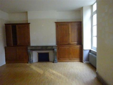 On the 1st floor, appartment of 96 m² to refresh